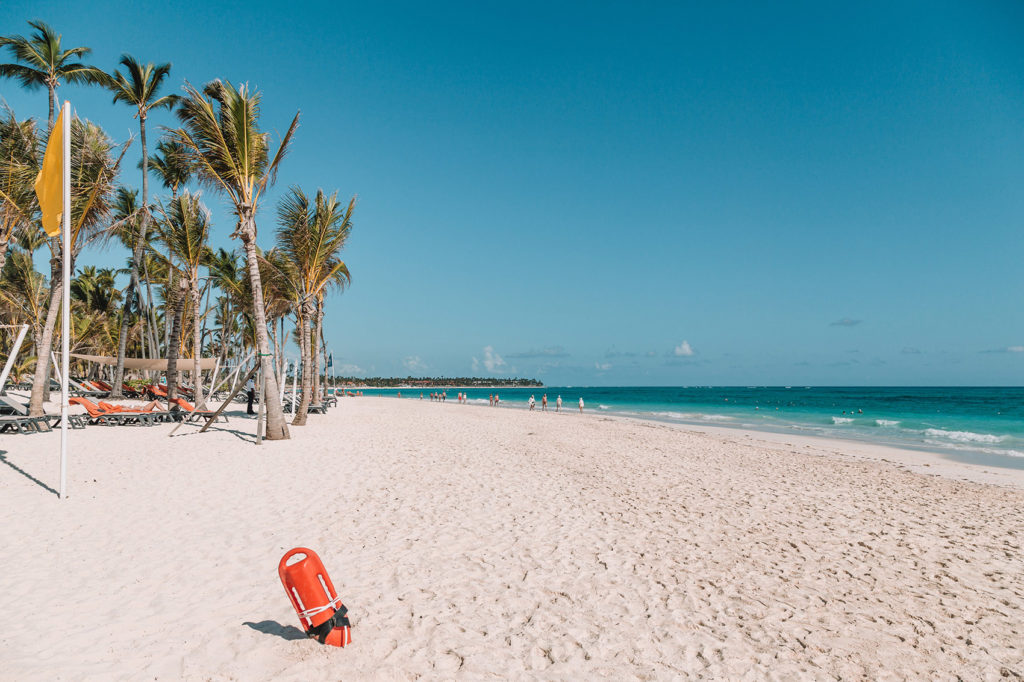 Пляж курорта Пунта-кана