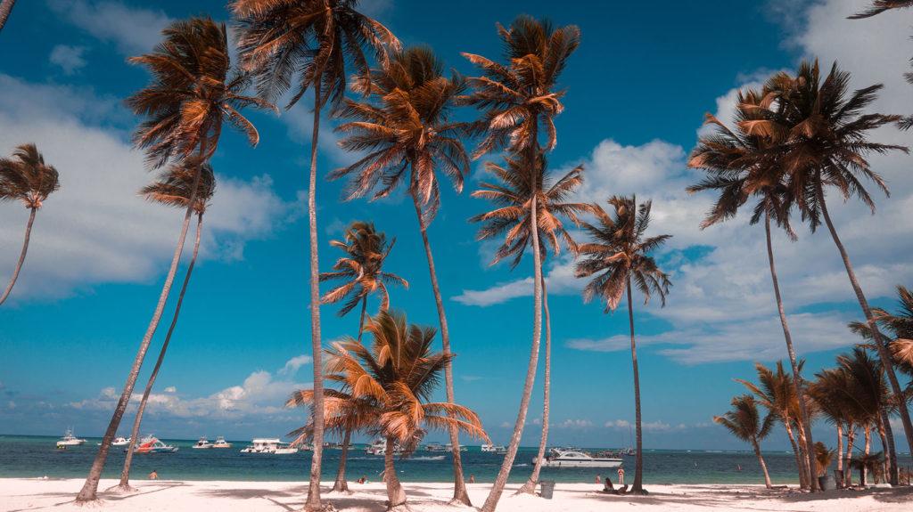 Пляж курорта Баваро в Доминиканской Республике