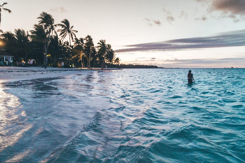 Закат на пляже Доминиканы