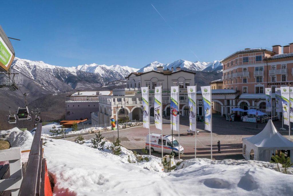 Отель Горки город зимой