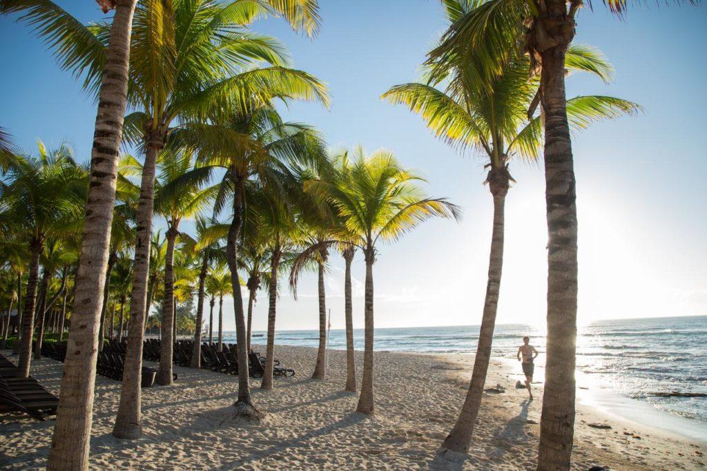 Sandos Caracol Eco Resort пляж