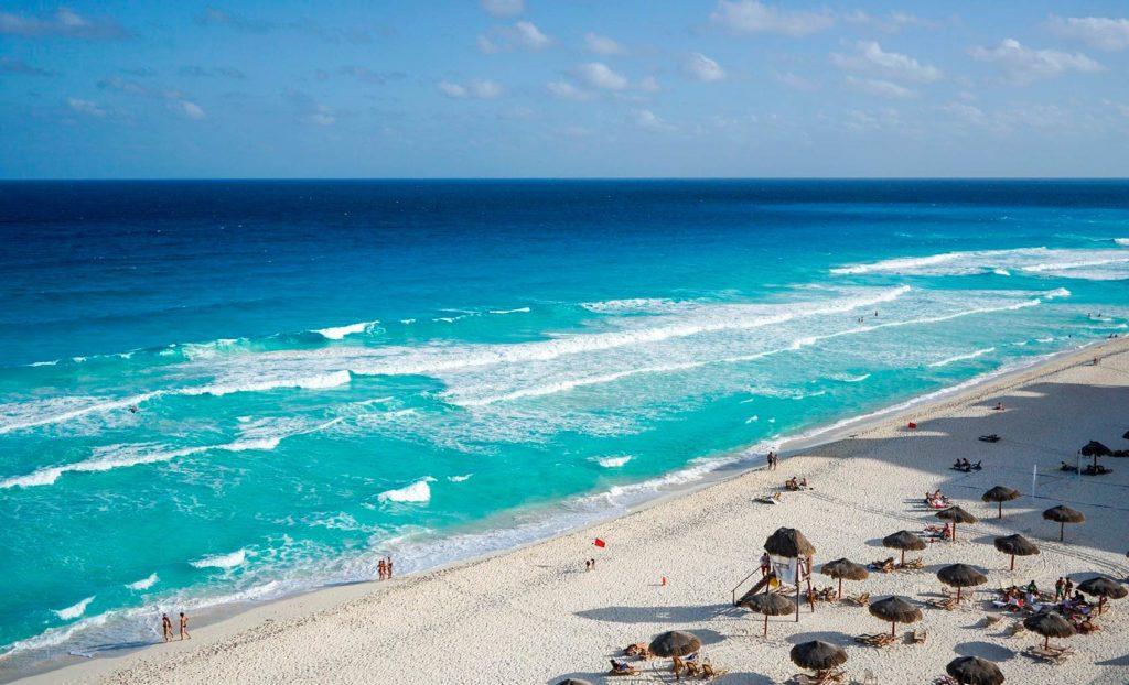 Море летом в Мексике