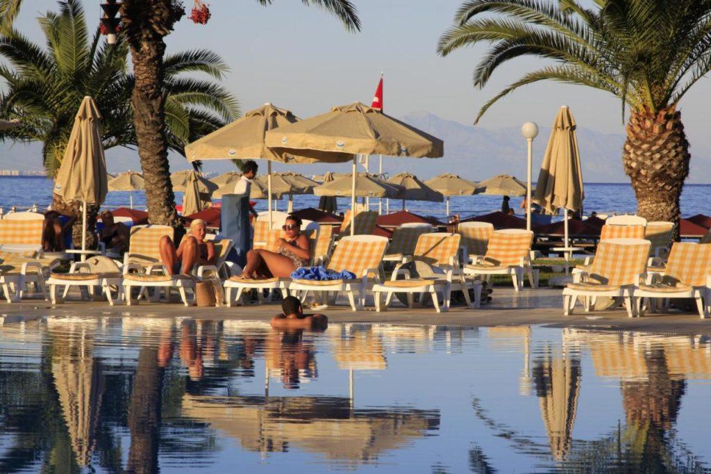 Молодежный отдых в Fun&Sun Active Club Hydros